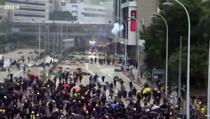 Hong Kong eleva pressão sobre manifestantes
