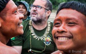 """Esperti brasiliani mettono in guardia sul """"genocidio"""" di tribù incontattate dopo il licenziamento del coordinatore governativo"""