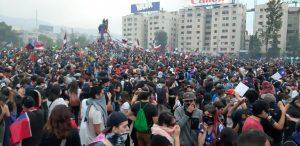 Más imágenes de la multitudinaria manifestación en Santiago