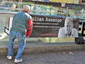 Médicos alertam: Julian Assange, do WikiLeaks, pode morrer na cadeia