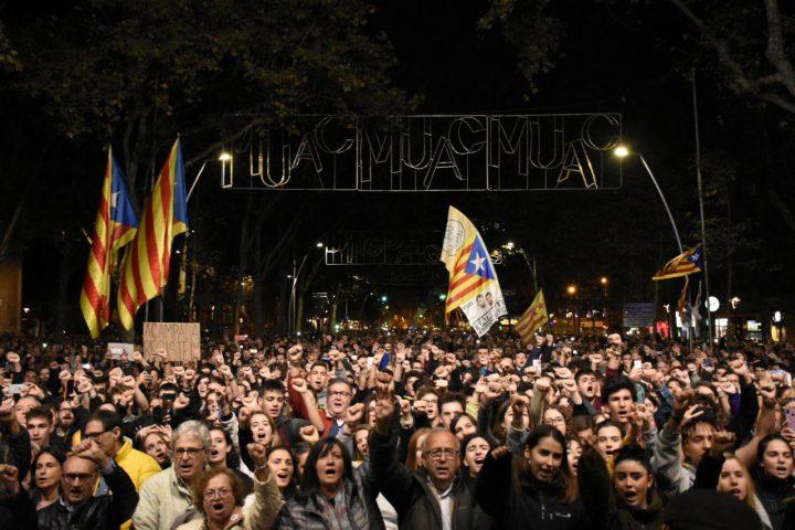 Cataluña – tzunami democrático: siguen las manifestaciones masivas para la liberación de los presos políticos