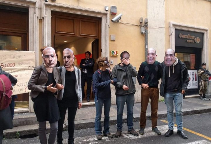 """Blitz al Nazareno: """"Cancellate i decreti sicurezza di Salvini"""""""