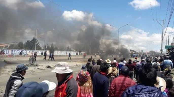 Military and police crackdown on gas plant blockade in Bolivia, 2 dead