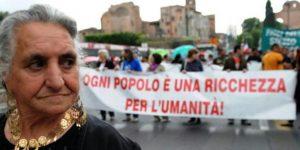 Piemonte, la nuova proposta di legge contro i campi rom è razzista e illegale
