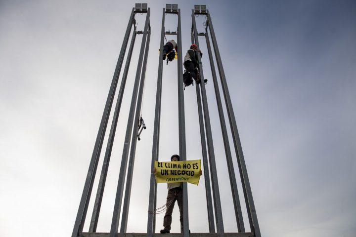 ACCION GREENPEACE_COP25_denuncia presiones grandes empresas (2)