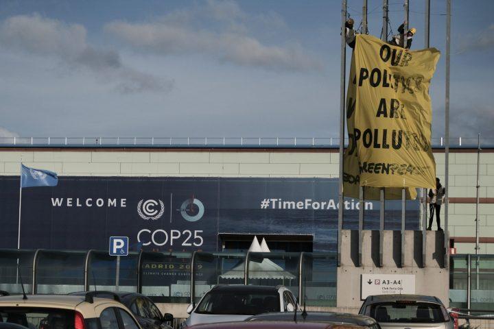 ACCION GREENPEACE_COP25_denuncia presiones grandes empresas (5)