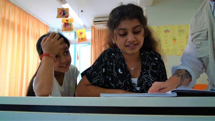 Για τα προσφυγόπουλα, το σχολείο παραμένει μια συνταγματικά κατοχυρωμένη υπόσχεση