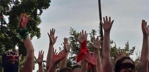 """Χιλή: η τελευταία περφόμανς της χρονιάς """"ένας βιαστής στο δρόμο μου"""""""