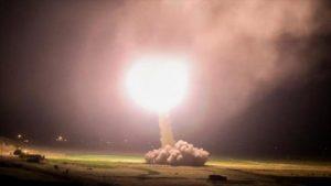 Το Ιράν χτυπά με βαλλιστικούς πυραύλους αμερικανικές βάσεις στο Ιράκ