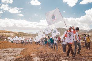 Atingidos pela barragem da Vale marcham de BH a Brumadinho