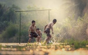 Grundschule, Fußball und gleiches Gehalt