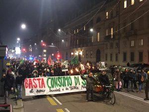 Milano, protesta per la distruzione del Parco Bassini