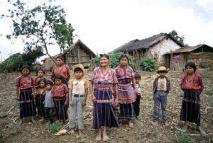 Guatemala: Nuevo presidente, mismos males