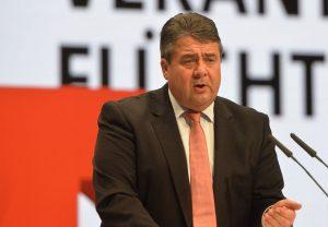 Del «capitalismo social» a los despachos del Deutsche Bank: el ex líder socialdemócrata Sigmar Gabriel 'se vende al capital'