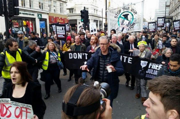 Marche de soutien à Londres : Non à l'extradition d'Assange