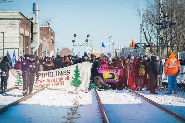 Καναδάς: Οι Οίκοι των Γουετ'σόιτ'εν κάνουν αγωγή υποστηρίζοντας ότι ο αγωγός Coastal GasLink παραβιάζει τη Συμφωνία του Παρισιού