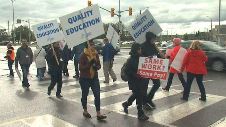 Οντάριο Καναδά: λαϊκή υποστήριξη στην απεργία των καθηγητών