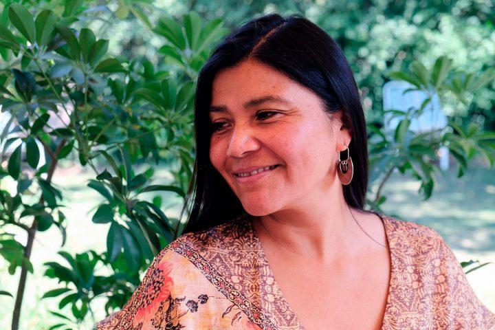 Mónica, femme mapuche : « Je me cherchais mais j'étais perdue ; j'ai commencé à me reconnaître quand j'ai trouvé mes racines mapuches »