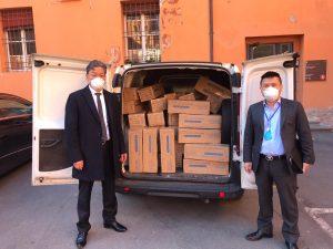 Trentamila mascherine donate dall'Associazione Cinese dell'Emilia-Romagna al Comune di Bologna