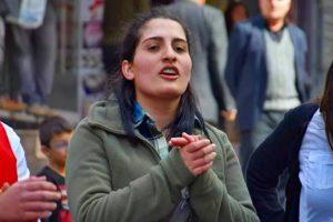Πέθανε η Χελίν, της οποίας η μη βίαιη διαμαρτυρία δεν ήταν όσο γνωστή θα έπρεπε