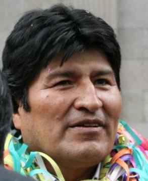 Residentes bolivianos en España se beneficiarán con educación a distancia y cédulas de identidad