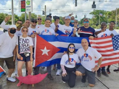 Carlos Lazo getting ready to start his march from Miami to Washington, D.C.